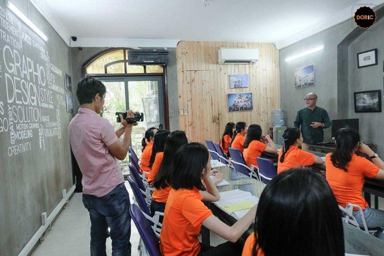 lớp họa viên tại Doric